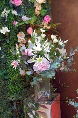 Зеркальные колонны для цветочной композиции