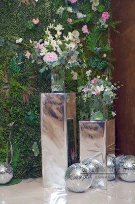 Колонны из зеркал на прокат
