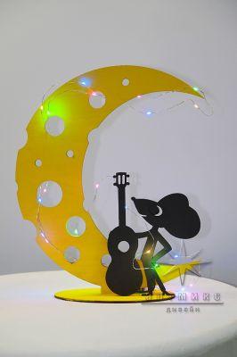Настольная композиция Сырный Месяц и Мышонок с гитарой