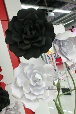 Декорация - большие цветы