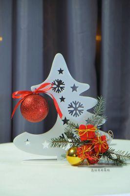 Декор на стол Ёлочка с игрушками и шаром