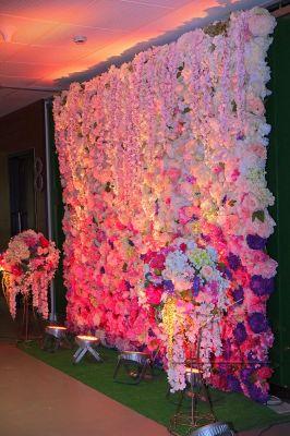 Цветочная стена на 8 Марта