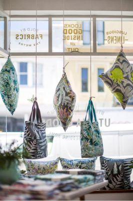 20 классных и креативных витрин магазинов (1)