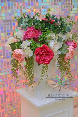 Декоративные цветы в оформлении