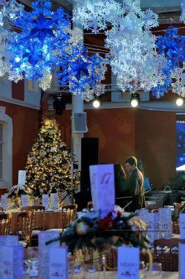 Оформление банкетного зала на новогоднюю вечеринку