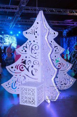 Белая Рождественская ёлка с подсветкой высокого качества в аренду