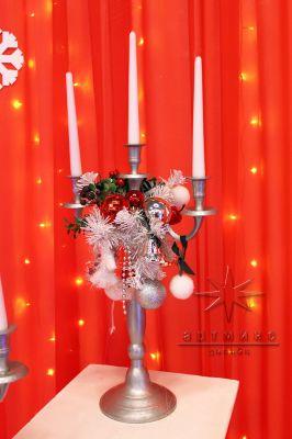 Трех рожковые канделябры в новогоднем стиле