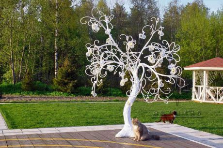 Белое дерево пожеланий