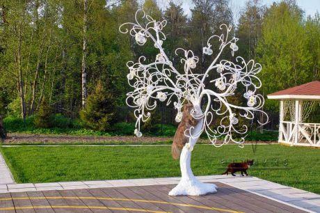 Декоративное дерево праздничных пожеланий