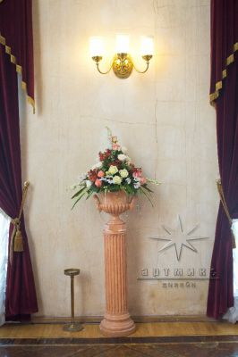 Флористическое оформление зала во дворце